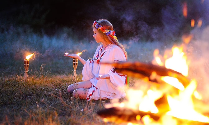 An Autumn Equinox Ceremony For You To Try At Home