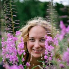 Rosalee de la Forêt, RH
